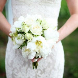 mixed white and green bouquet