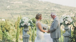 stone vases and columns wedding