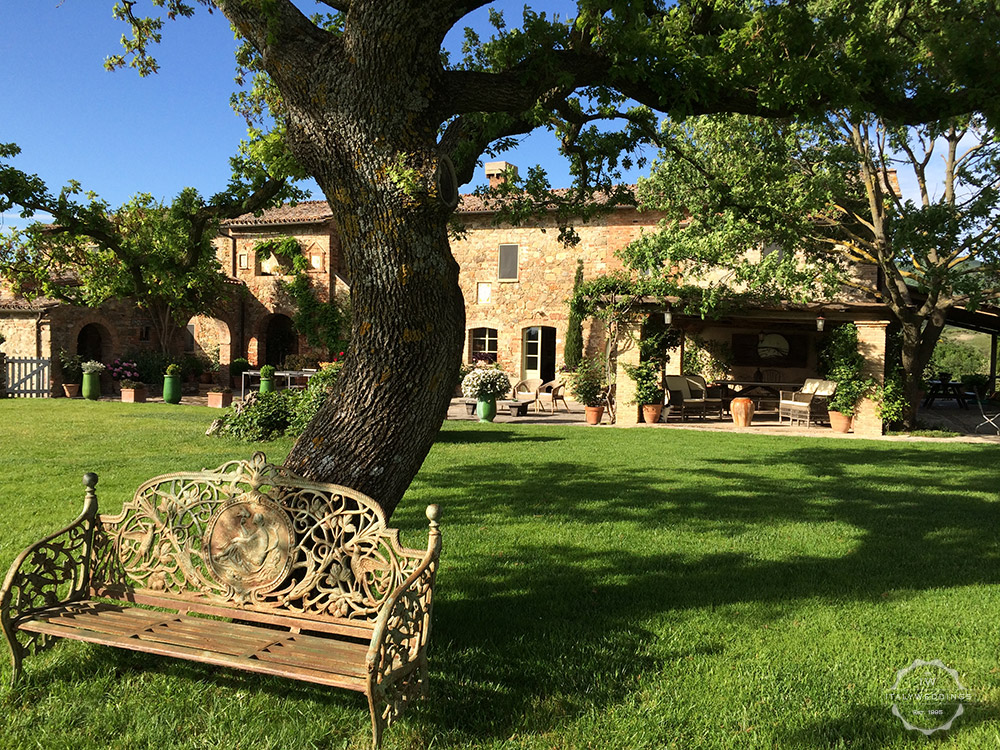 Pienza villa wedding venue