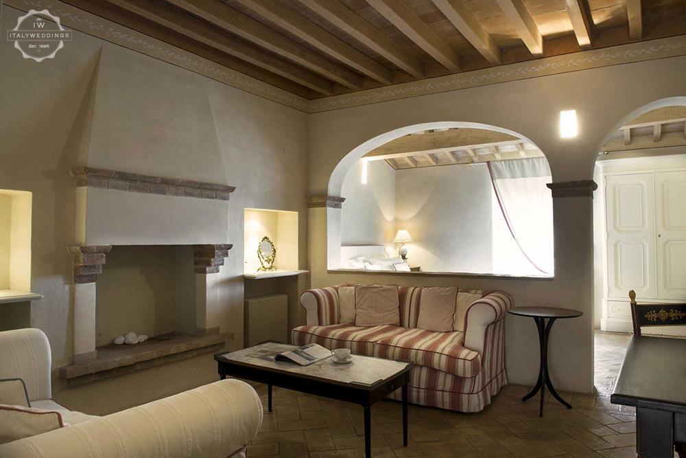 Castello di Velona wedding venue Montalcino