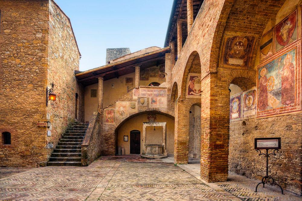 San Gimignano town hall