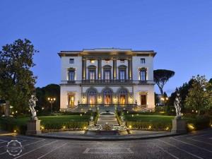 Wedding venue villa Cora Florence facade