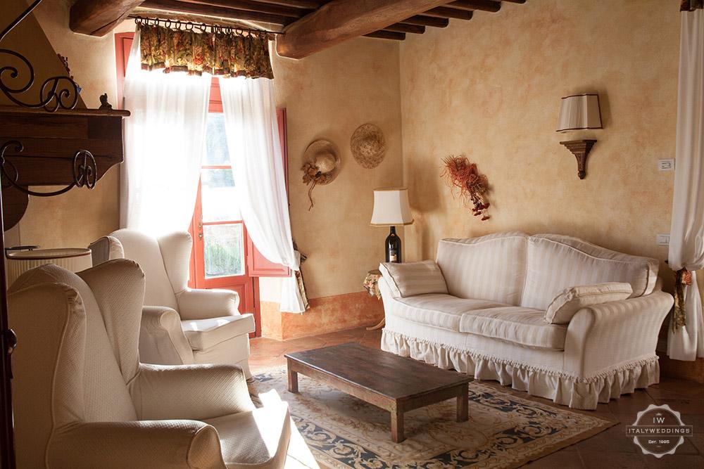 Tuscany villa lounge