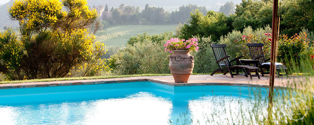 umbria villa pool