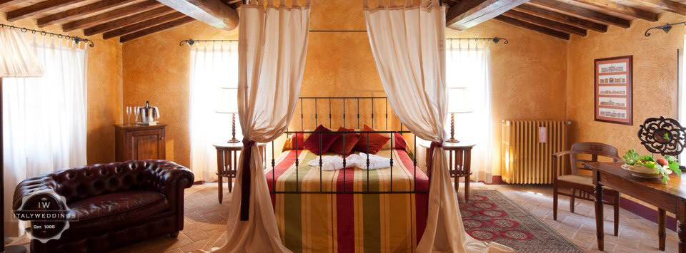 umbria villa bedroom
