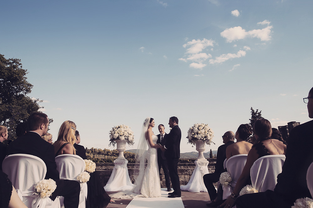 Vincigliata wedding Florence symbolic