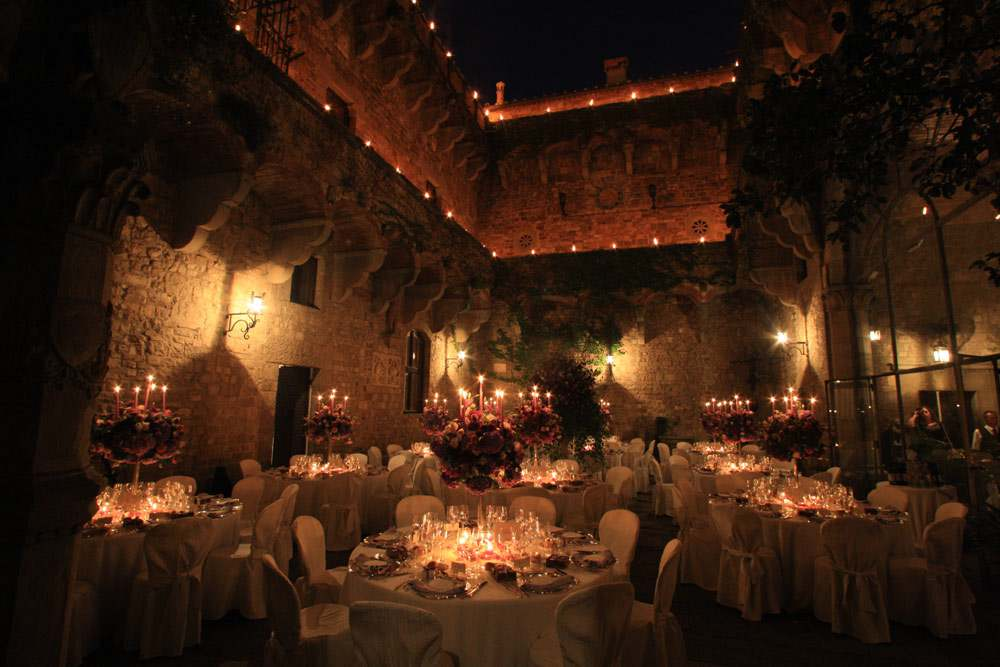 Vincigliata wedding Florence courtyard