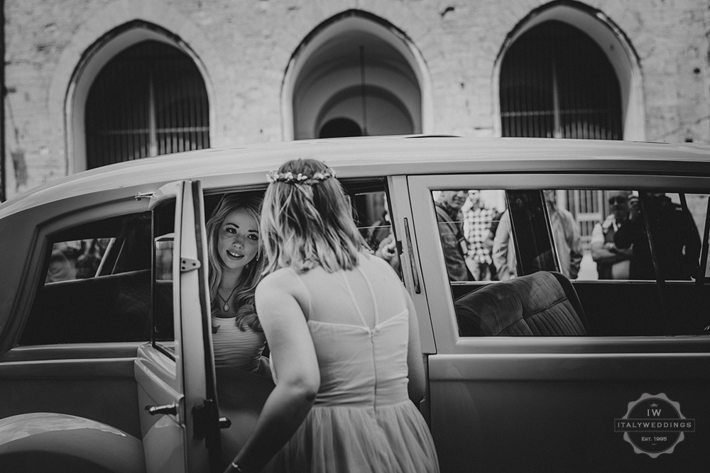 Villa wedding Tuscany bride arrive Rolls Royce town hall
