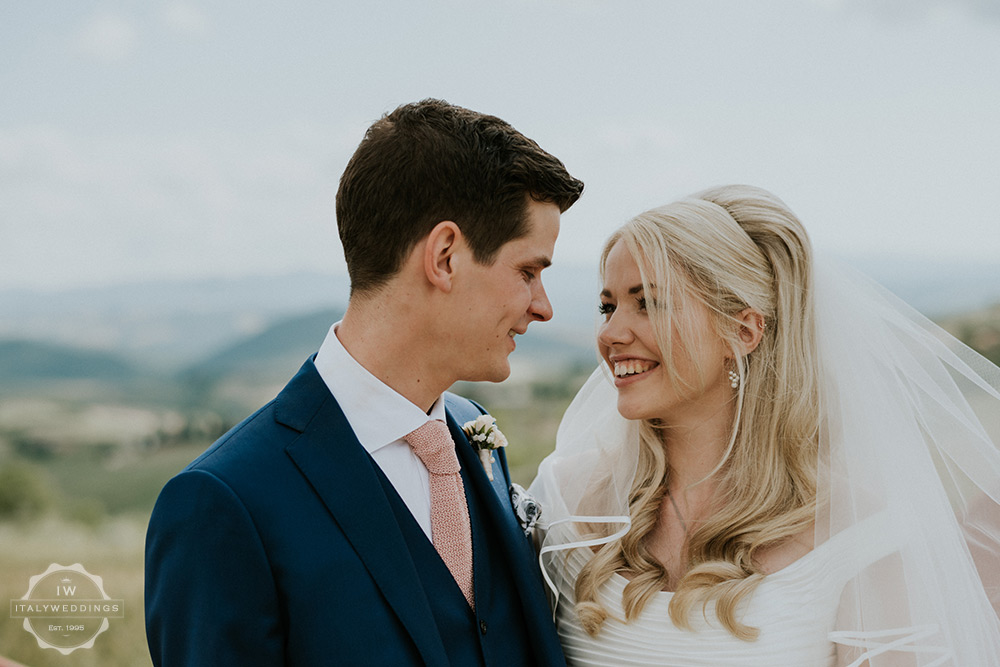 Villa wedding Tuscany romantic soft light