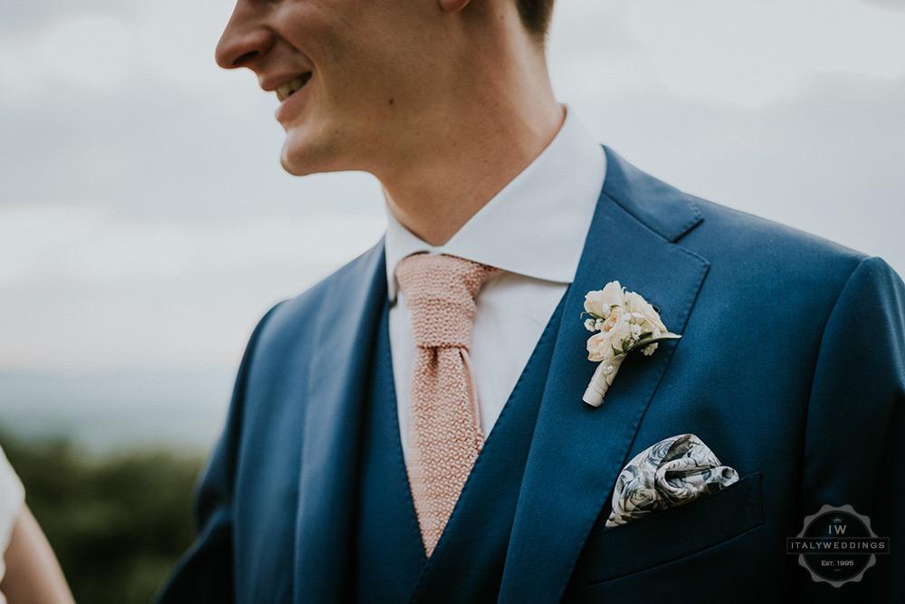 Villa wedding Tuscany boutonniere