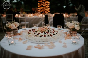 Villa wedding Tuscany Bavarese wedding cake