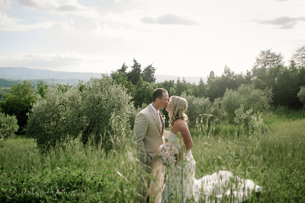 Tuscan wedding villa gardens