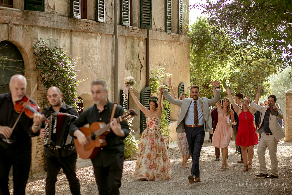 Siena Stomennano wedding folk music