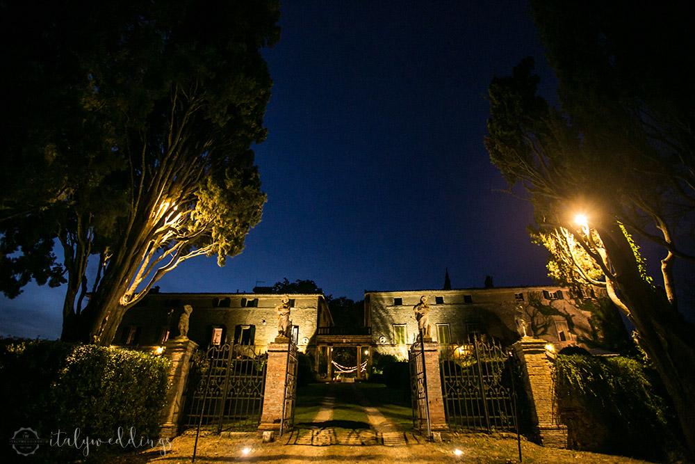 Siena Stomennano wedding facade