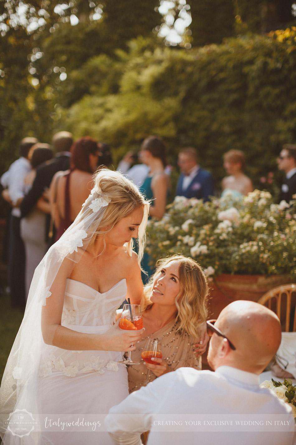 Castello di Vincigliata wedding aperitifs