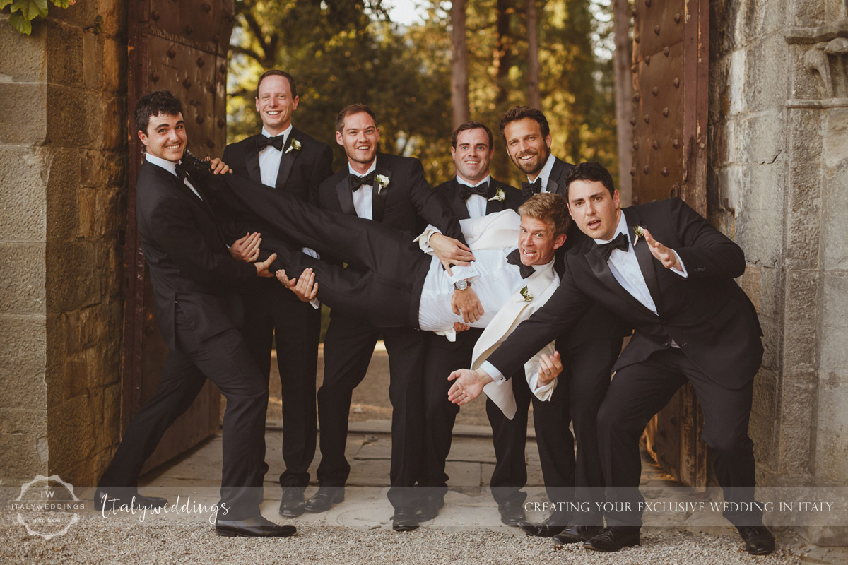 Castello di Vincigliata wedding groomsmen