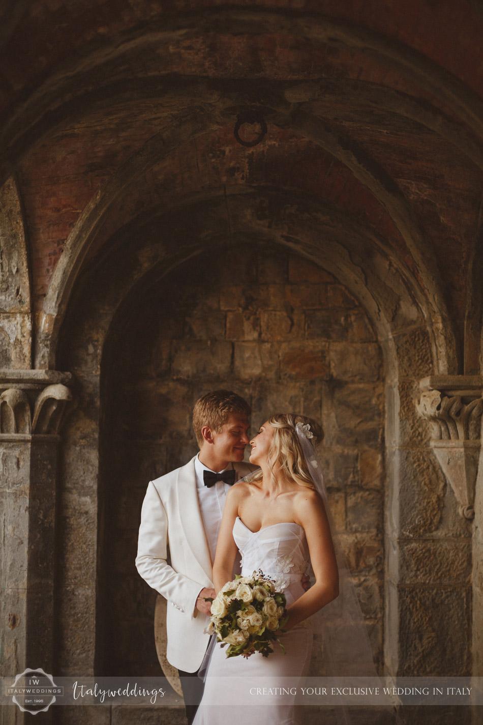 Castello di Vincigliata wedding portico