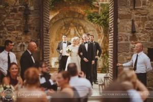 Castello di Vincigliata wedding party entrance