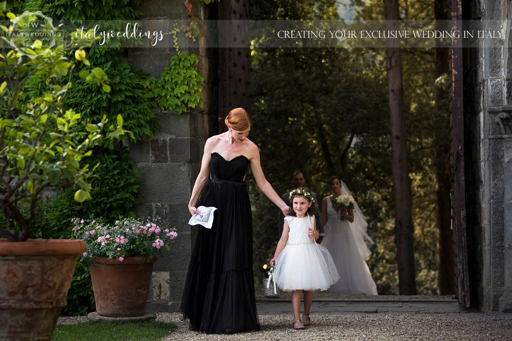 Vincigliata wedding ceremony arrival