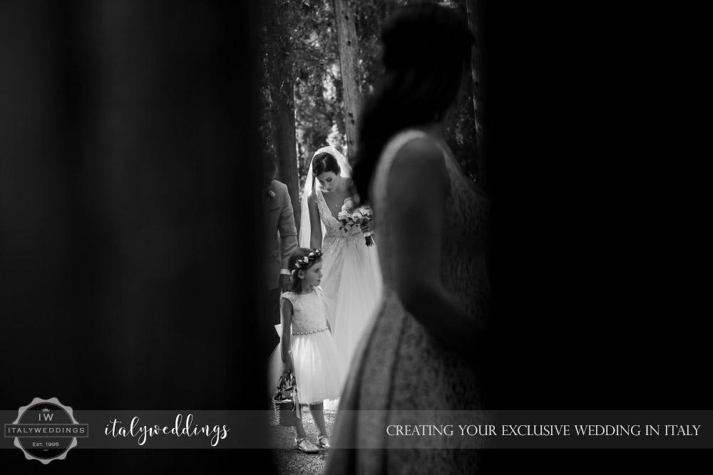 Vincigliata wedding bridal arrival