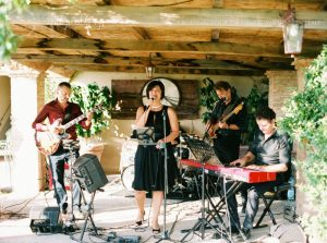 Stylish wedding Pienza Val D'Orcia live band