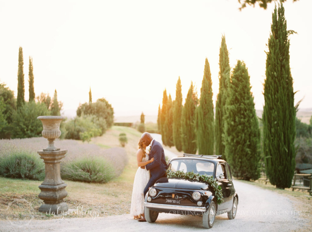 Stylish wedding Pienza Val D'Orcia vintage fiat