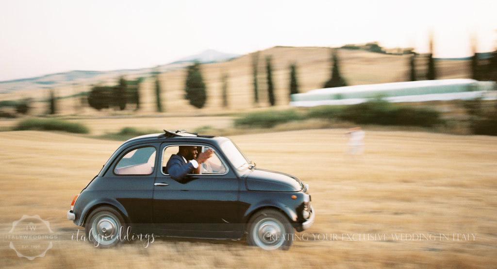 Stylish wedding Pienza Val D'Orcia vintage fiat