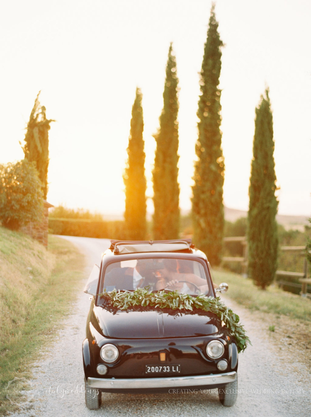 Stylish wedding Pienza Val D'Orcia vintage fiat 500