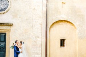 Symbolic blessing at Borgo Stomennano the couple
