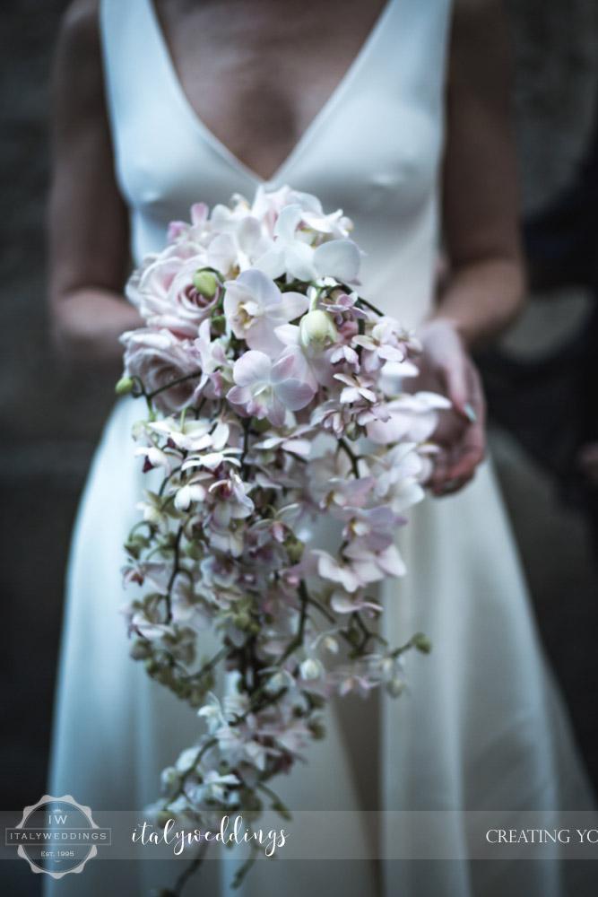 Wedding Stomennano Monteriggioni Siena orchid bouquet