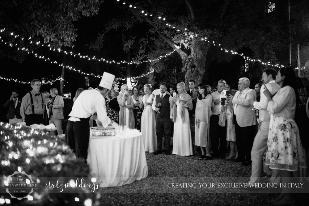Wedding Stomennano Monteriggioni Siena cake fairy lights