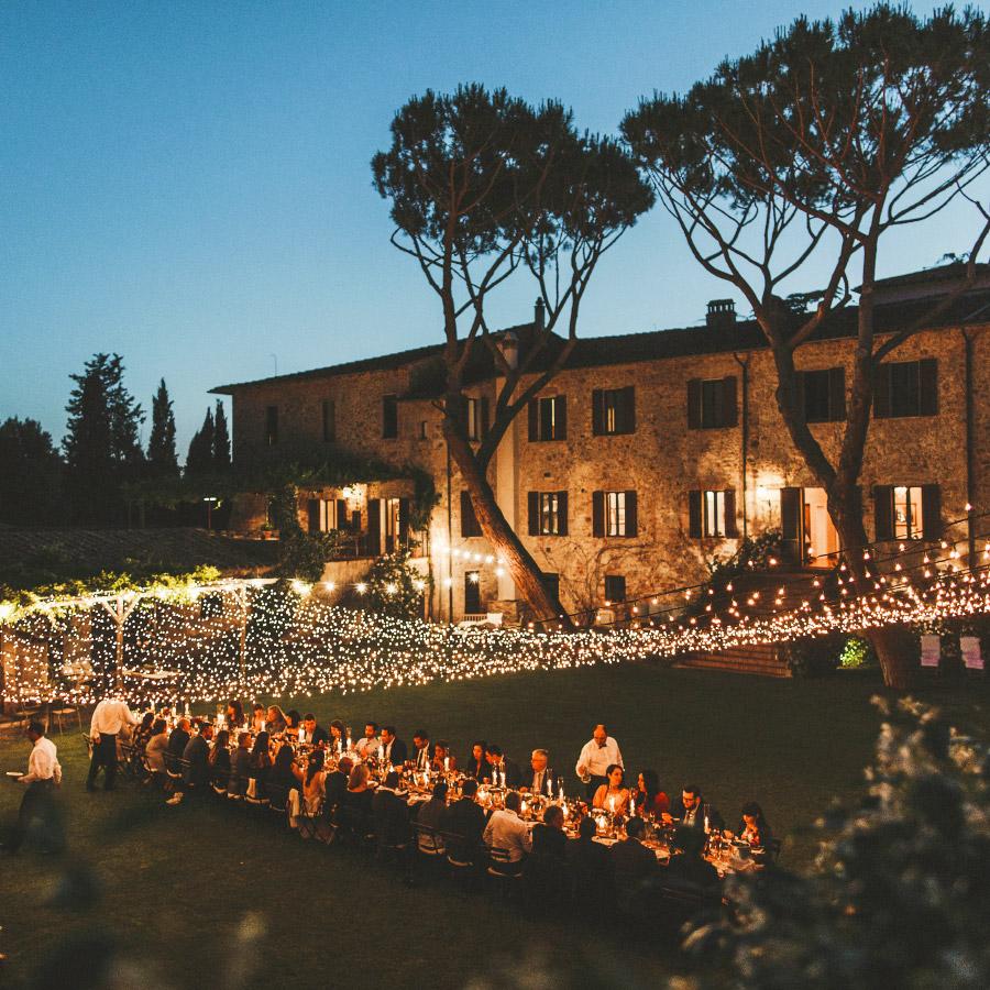 Villa wedding Maremma Tuscany fairy light mal long country chic table