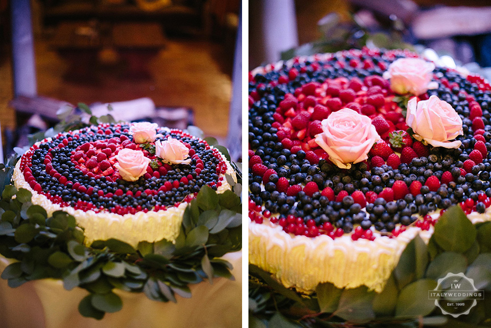 fruit Italian wedding cake