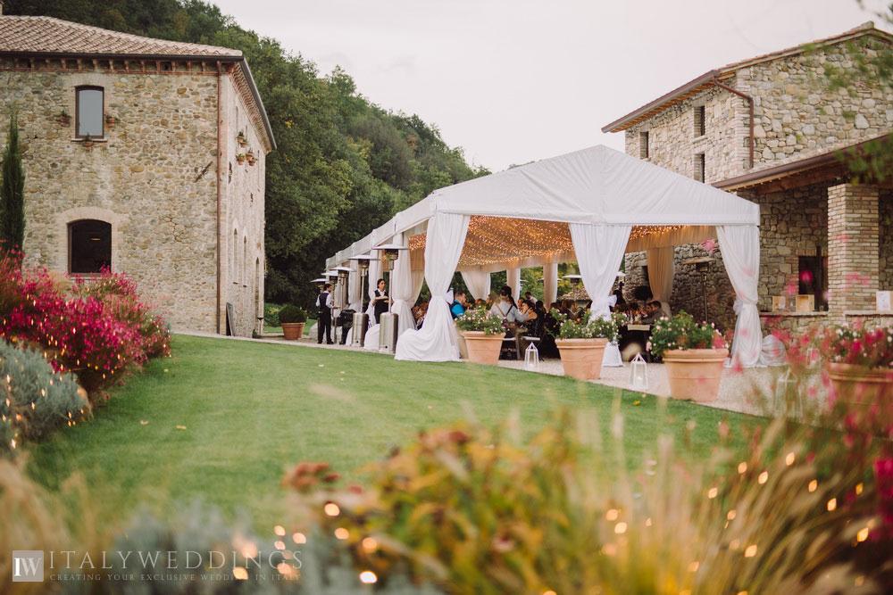 bo-ho blessing in Umbria