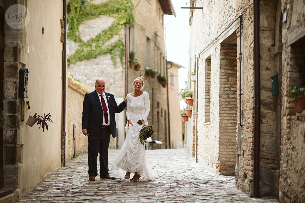 Country rustic wedding in Montone Umbria