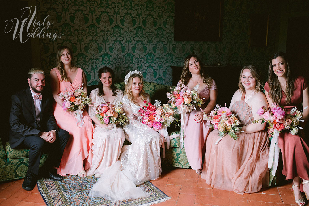 Dreamy vllla blessing in Tuscany bridal style