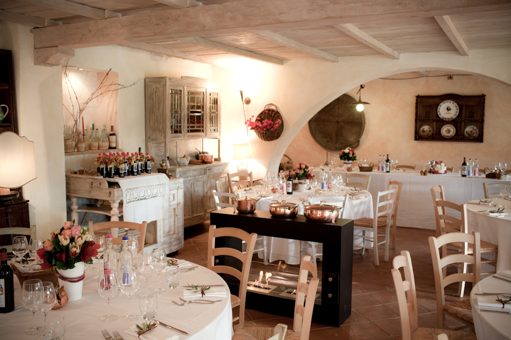 small villa in Siena countryside meal areas