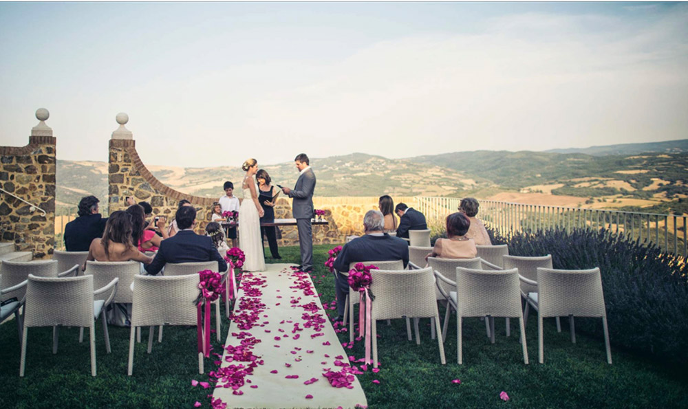Castello di Velona Tuscan wedding venue blessing