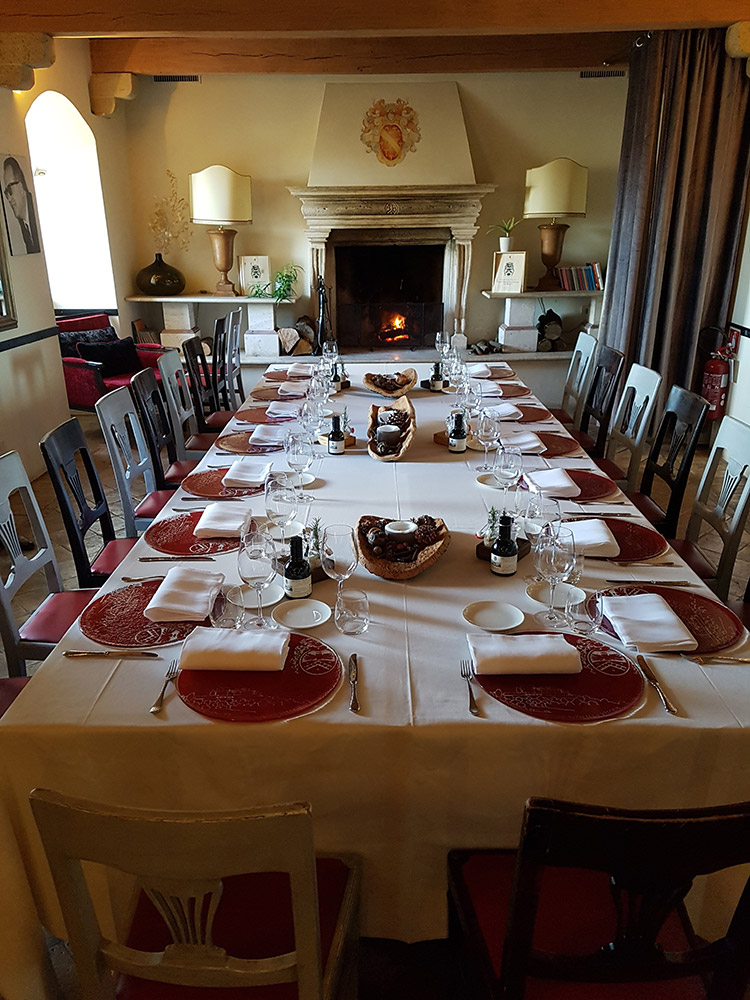 Castello di Velona Tuscan wedding venue meal
