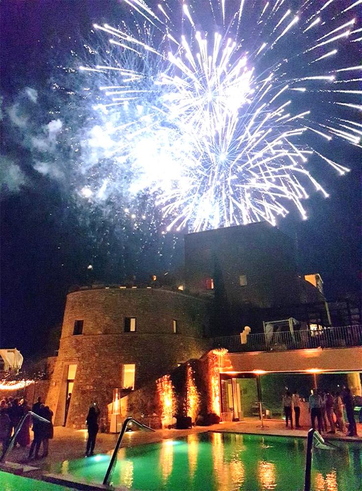 Castello di Velona Tuscan wedding venue fireworks