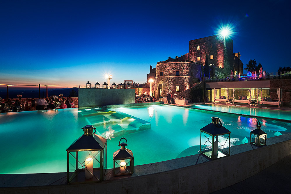 Castello di Velona Tuscan wedding venue pool