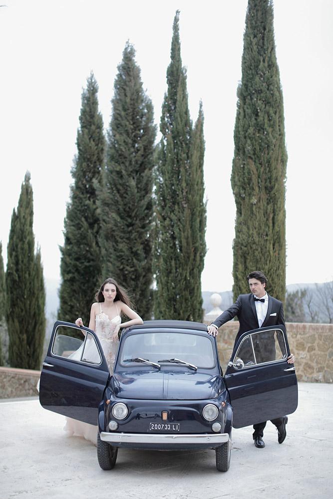Castello di Velona Tuscan wedding venue couple