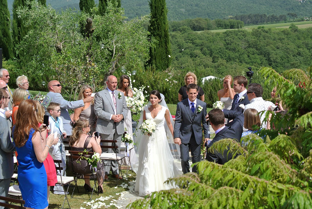 Country wedding villa Siena blessing