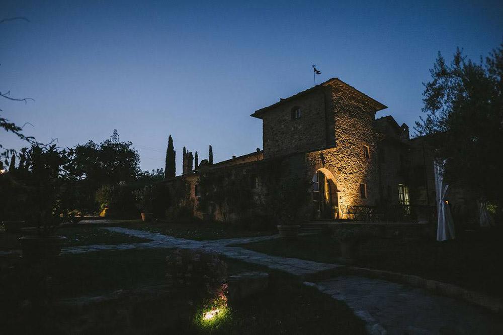 Country wedding villa Siena evening