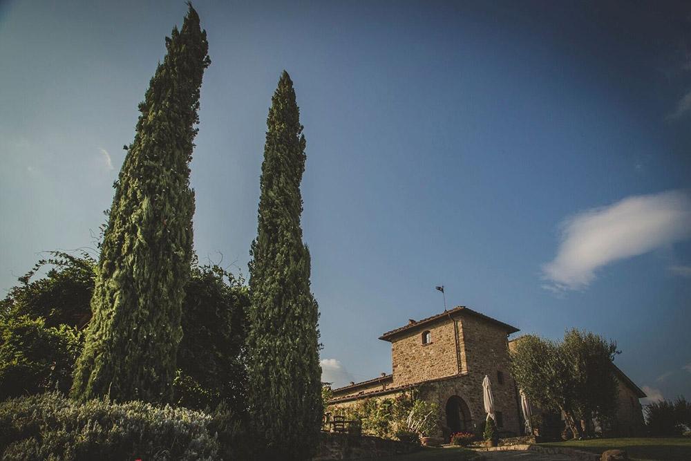 Country wedding villa Siena external