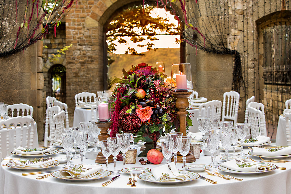 Chianti wedding villa meal courtyard