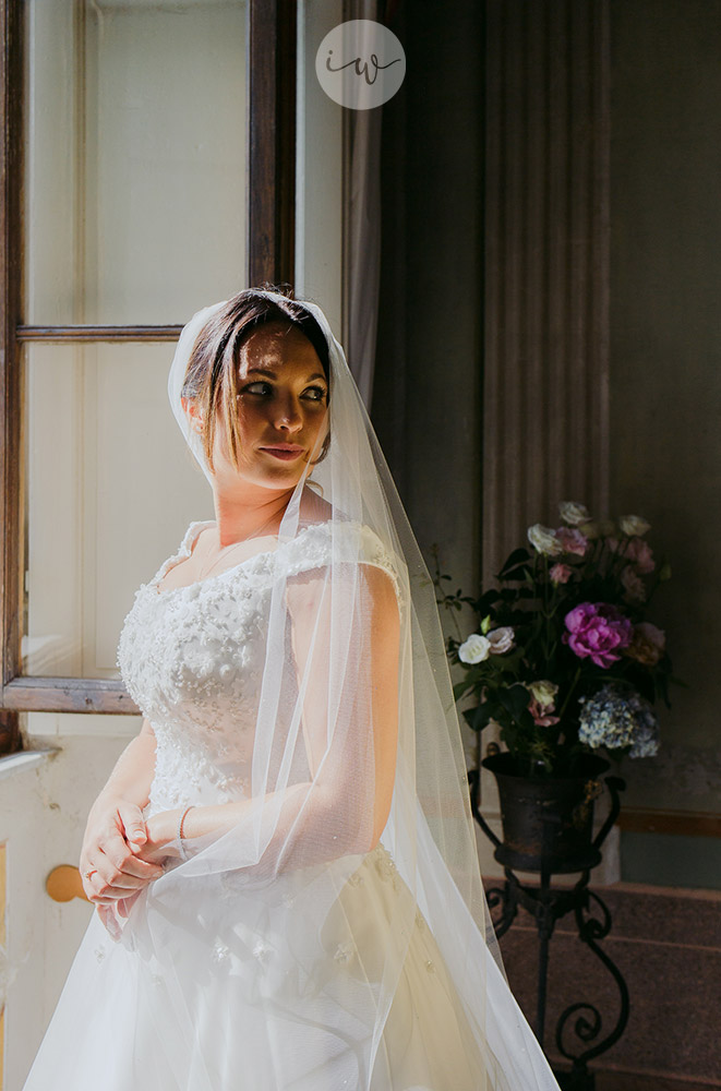 Romantic blessing at Borgo Stomennano bride and dress