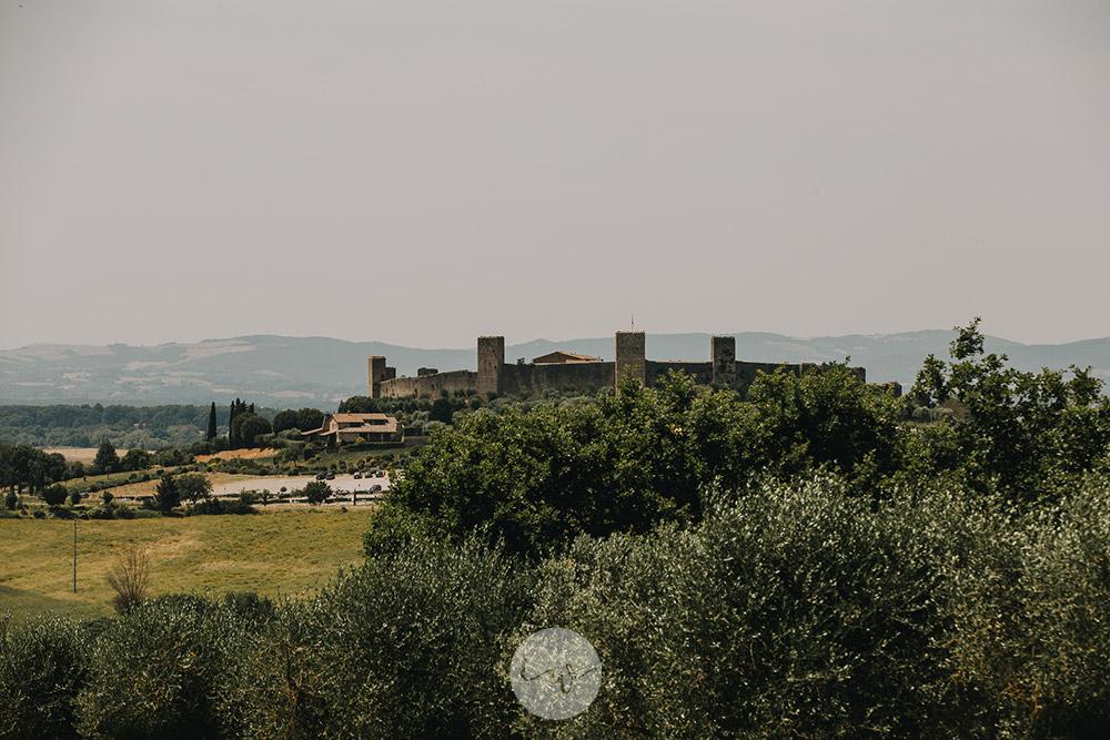 Romantic blessing at Borgo Stomennano panorama