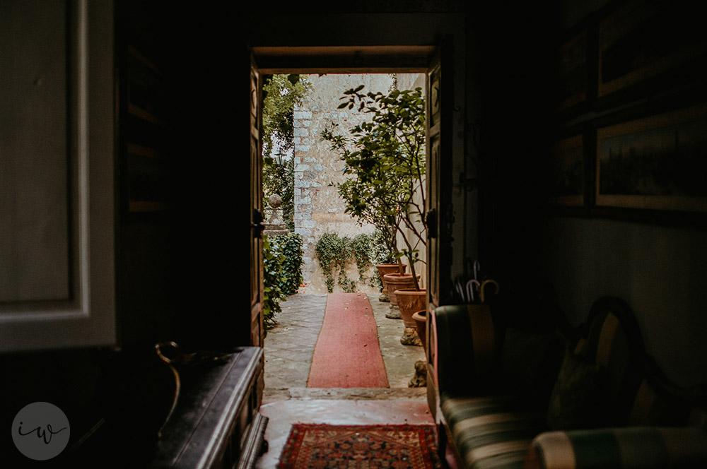 Romantic blessing at Borgo Stomennano