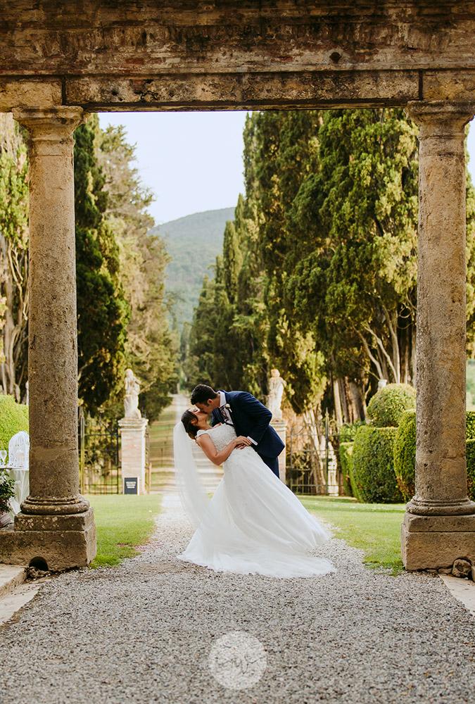 Romantic blessing at Borgo Stomennano couple